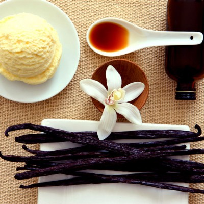 Floare şi păstăile de vanilie, secretul unui gust fără egal!