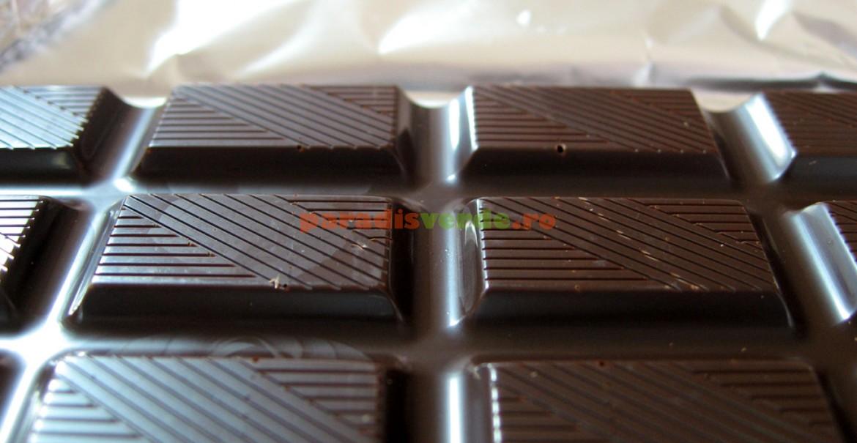 Ciocolata negră, resveratrol, dar cu măsură